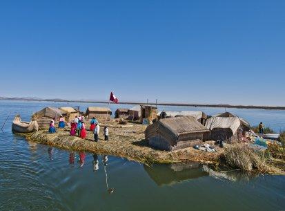 Perù – Torri Sullistani Lago Titicaca
