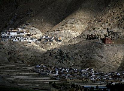 Om Mani Padme Hum – La luce del Tibet – Tibet percorso G. Tucci